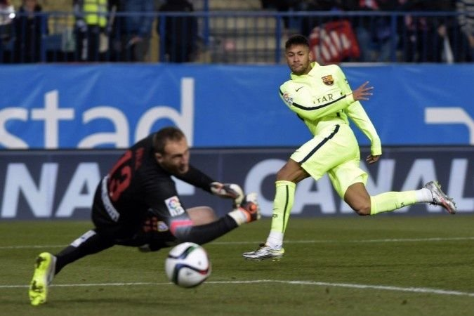 Neymar reina en el Calderón