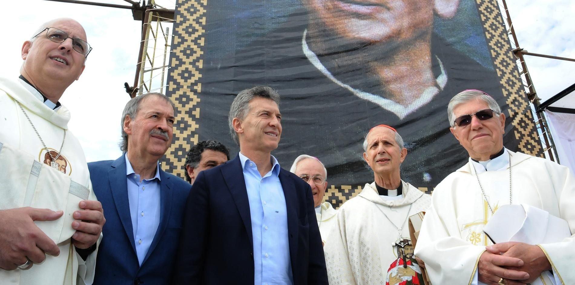 """Macri con su gabinete en Córdoba: """"Va a empujar al país"""""""