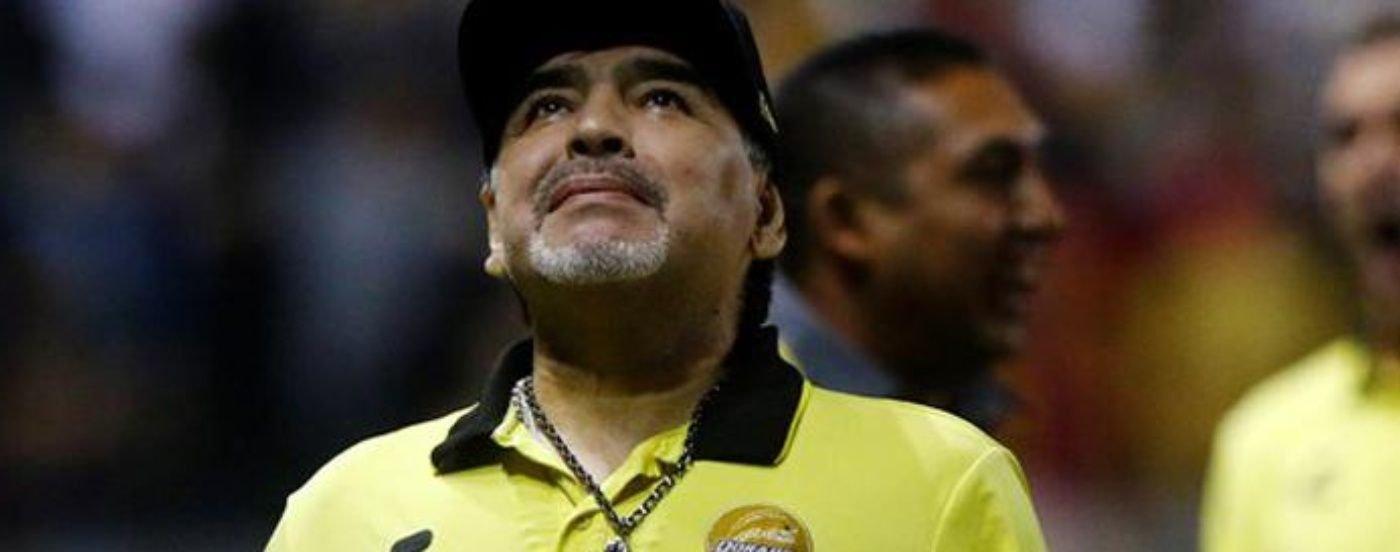 Preocupa la salud de Diego Maradona: fue internado por un sangrado estomacal en una clínica de Olivos
