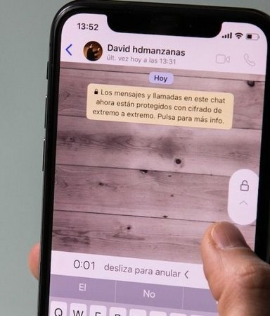 Para ahuyentar a los curiosos: ahora Whatsapp permite proteger chats con la huella dactilar