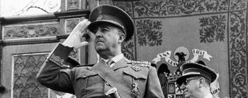 España buscará exhumar los restos del dictador Francisco Franco, a pesar del rechazo de sus nietos
