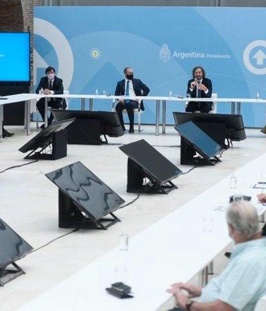 """Primera cumbre clave por los salarios: el compromiso """"sin techo"""" del Gobierno con los sindicatos"""