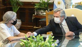 """La mamá de Úrsula se reunió con Alberto Fernández y contó que el presidente """"se quebró"""""""