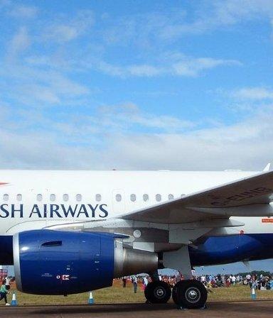 ¿Y dónde está el piloto? Un vuelo que debía aterrizar en Alemania llegó por error a Escocia