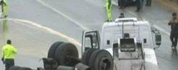 Volcó un camión cisterna y derramo 6 mil litros de aceite