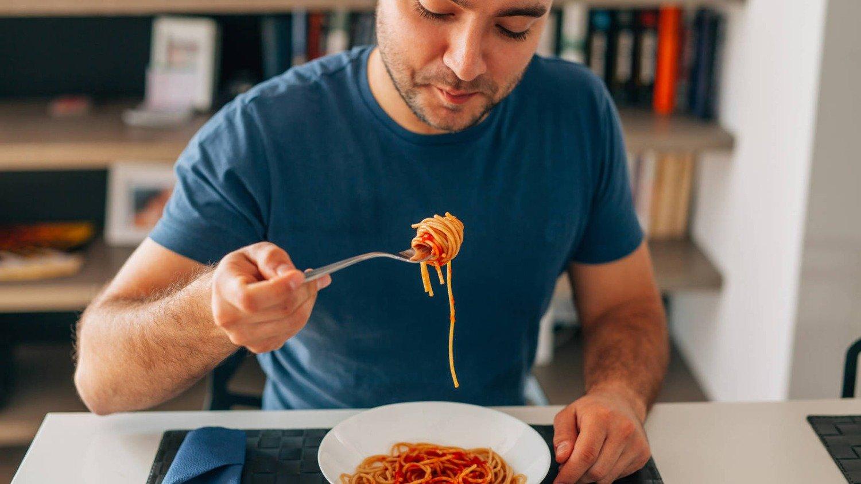 Organizarse y sacar la atención de la comida: cinco consejos para no engordar en esta cuarentena (que se extiende)