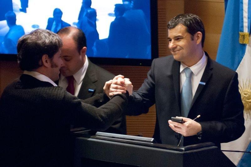 Axel Kicillof y Miguel Galuccio, presidente de la petrolera.