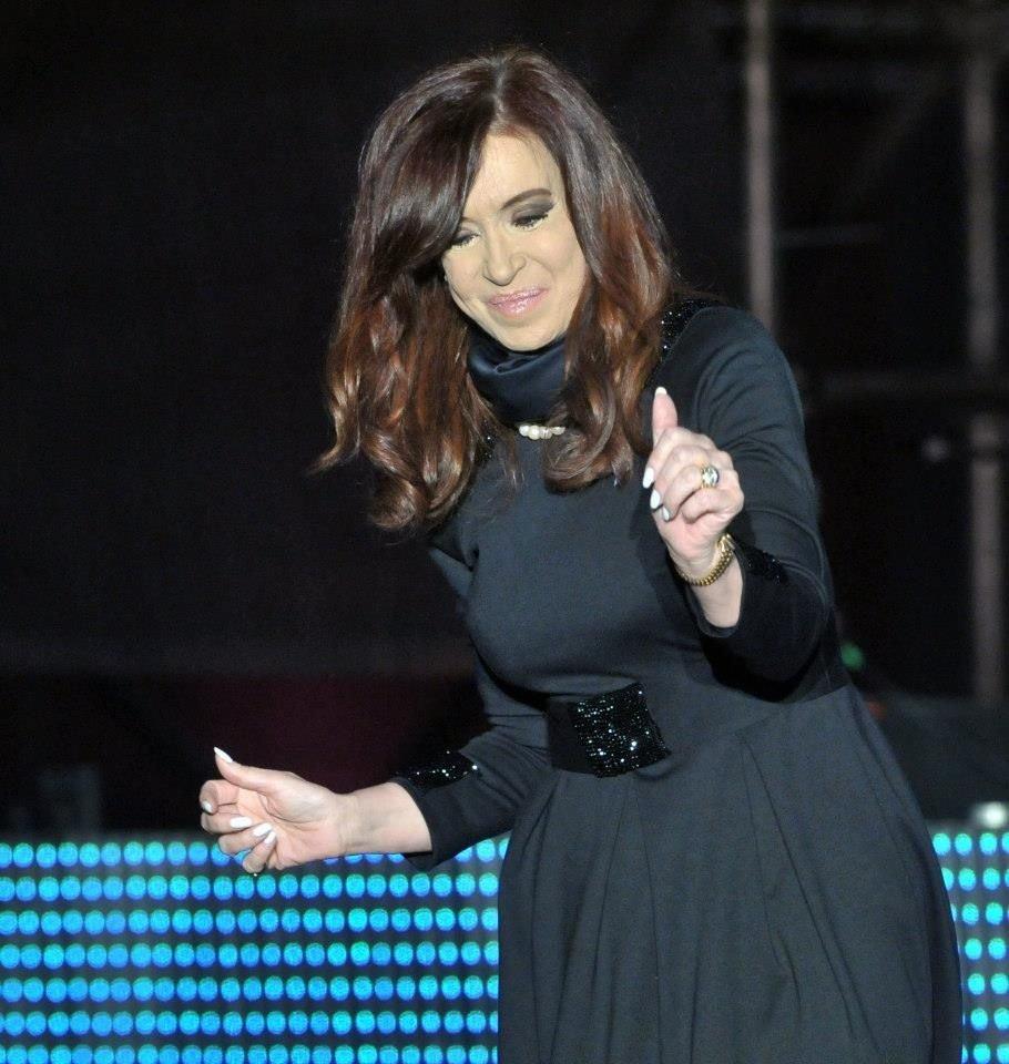 Cristina baila vestida de luto, pero repitió la ceremonia de ahí en más.