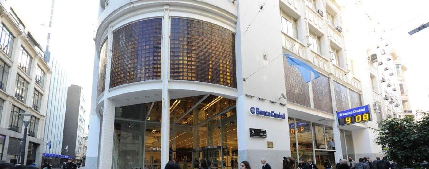 Se estabiliza la plaza cambiaria y una baja en el déficit, según un informe del Banco Ciudad