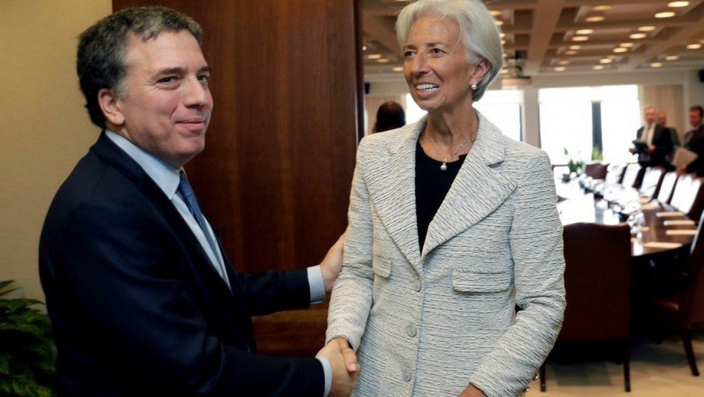 """El jefe de la misión del FMI dice que no le tiene """"temor"""" a una victoria de Cristina"""