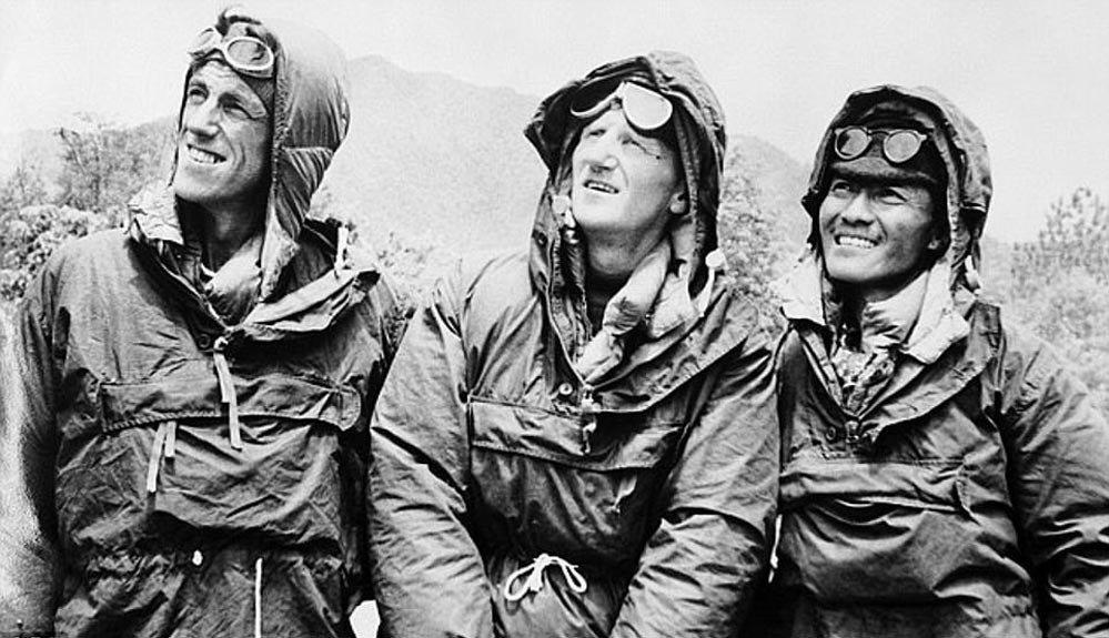 Hillary, Tenzing y el líder de la expedición, John Hunt.