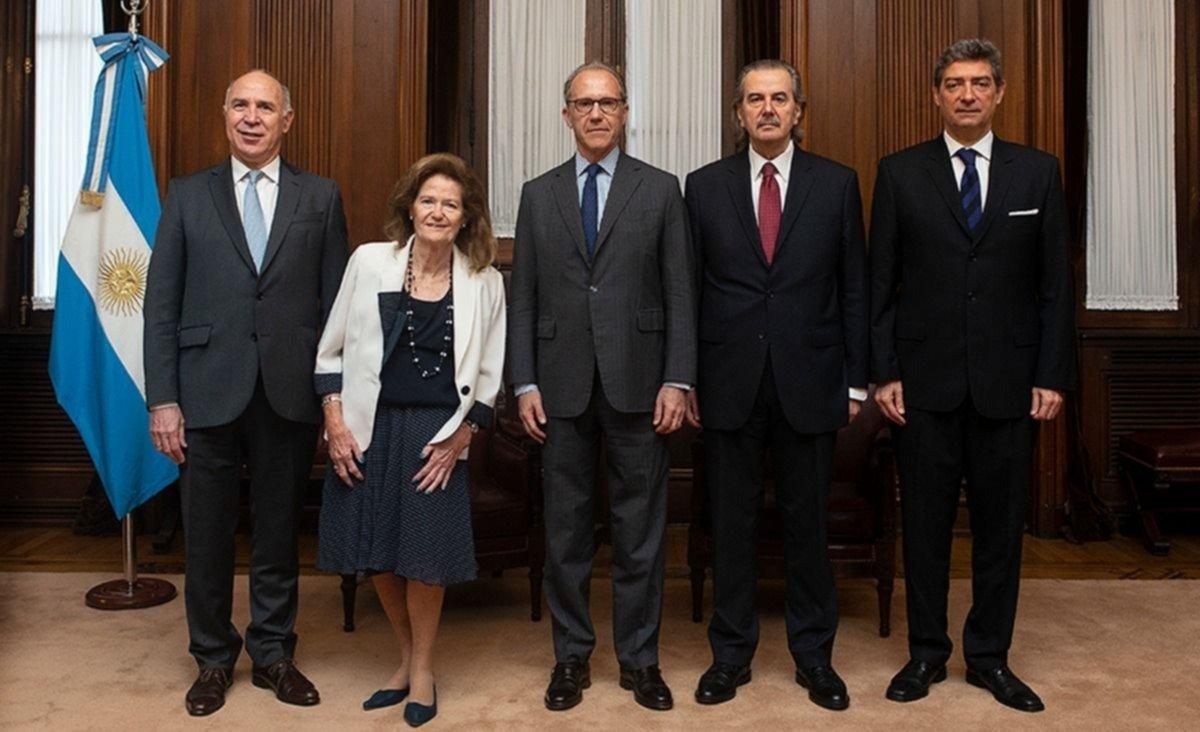 Una decisión de la Corte podría retrasar el primer juicio contra CFK