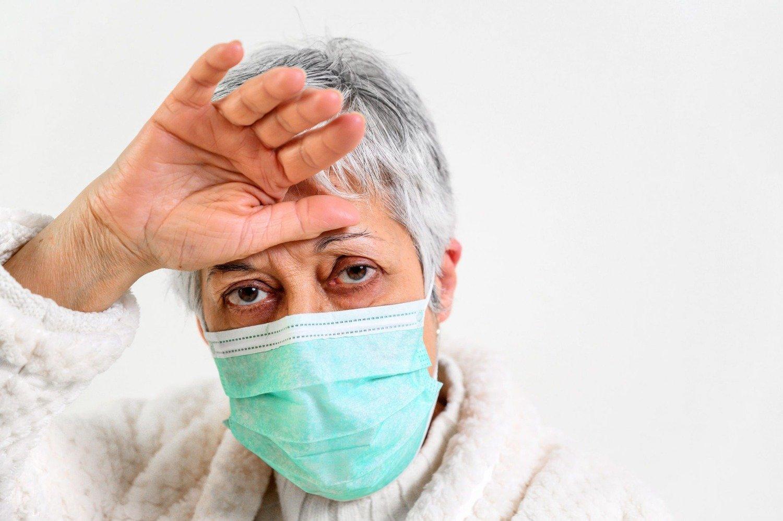dificultad para hablar fiebre tos seca presión en el pecho
