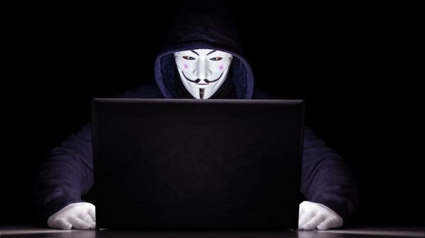 Filtra Anonymous lista de famosos vinculados en red de Epstein