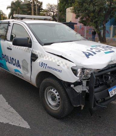 VIDEO: un patrullero que iba a contramano atropelló y mató a un joven que andaba en moto