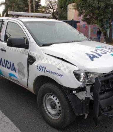 Horror: un patrullero que iba a contramano chocó y mató a un joven de 21 años