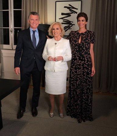 Macri vuelve a la mesa de Mirtha, pero con Juana: los detalles del encuentro y por qué ira sin Awada