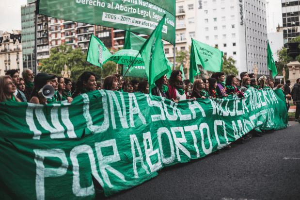 alt title aborto