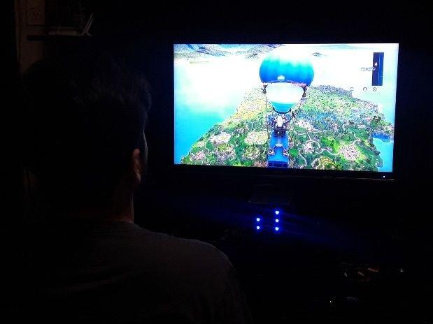 el fortnite es el nuevo juego que esta de moda entre los mas chicos y los adolescentes - imagenes de ninos jugando fortnite