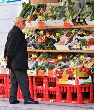 Se extiende el reintegro del 15% en compras para jubilados y beneficiarios de planes sociales