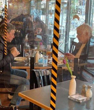 ¿Vuelve el café adentro? La Ciudad evalúa permitir el aforo interno en bares y restaurantes