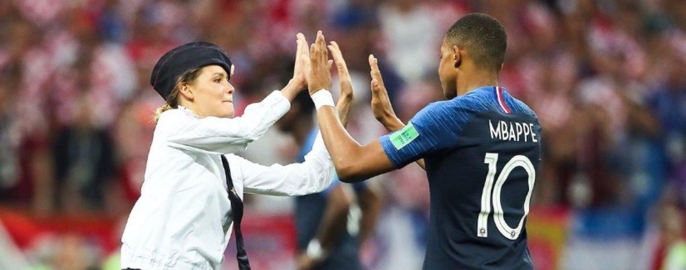 Francia campeón: de las feministas que entraron a la cancha al tremendo pifie de Lloris, las perlitas de la final