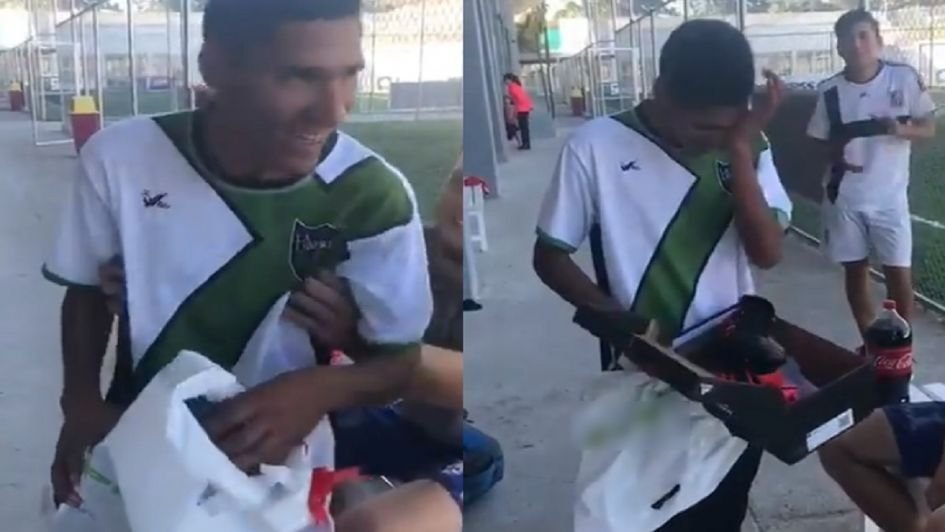 [VIRAL] La emoción de un chico al que le robaron los botines frente al gesto de sus compañeritos