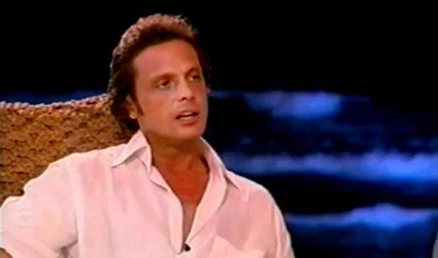 Fue a partir del año 2003 que el cantante empezó a hablar de la desaparición de su mamá.