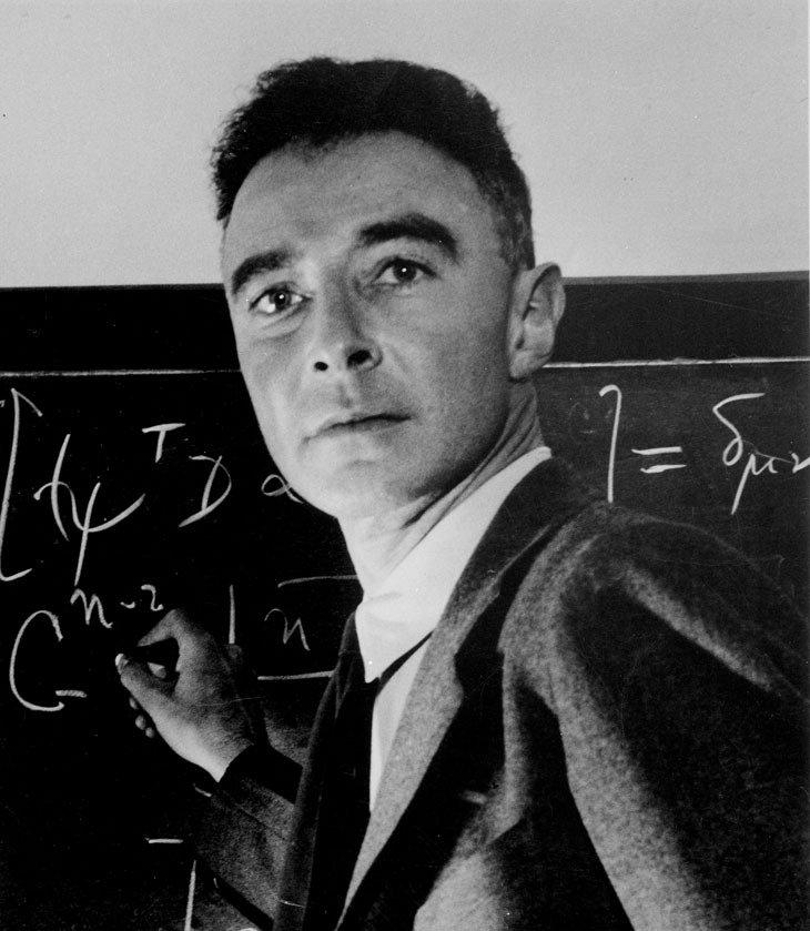 J. Robert Oppenheimer, el físico a cargo del Proyecto Manhattan.