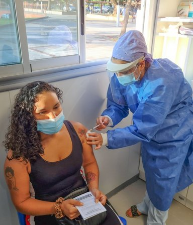 Combinación de vacunas en Argentina: un estudio local incluirá las dosis de Moderna