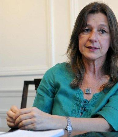 Primer cambio en el Gabinete: Sabina Frederic va a Defensa y se acelera la salida de Rossi