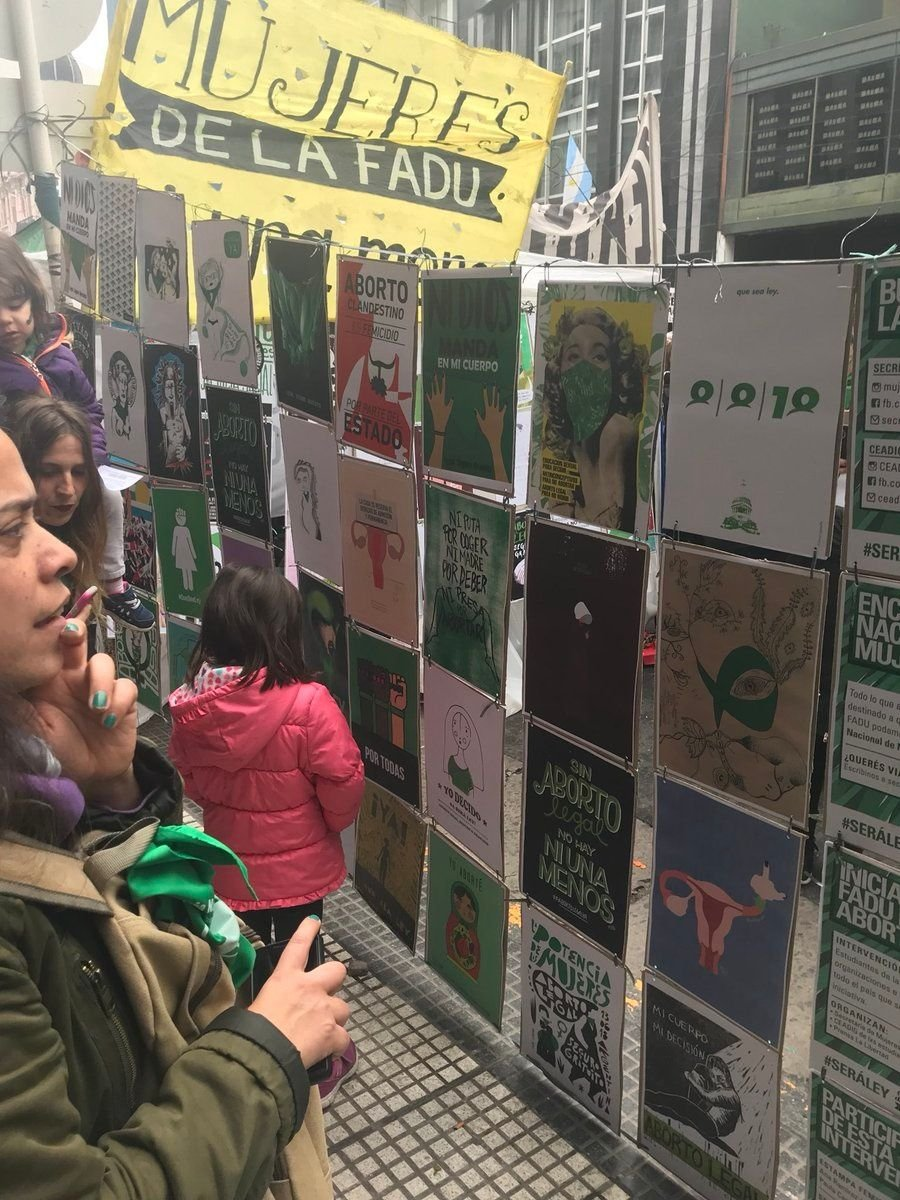 Pañuelos verdes y celestes: las mejores imágenes de las afueras del Congreso
