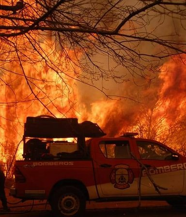 """Impactantes imágenes de los incendios en Córdoba: 14 mil hectáreas ya se incendiaron y el alerta sigue """"muy alto"""""""