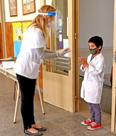Clases en Provincia: los docentes de riesgo con la vacunación completa deben volver a las escuelas