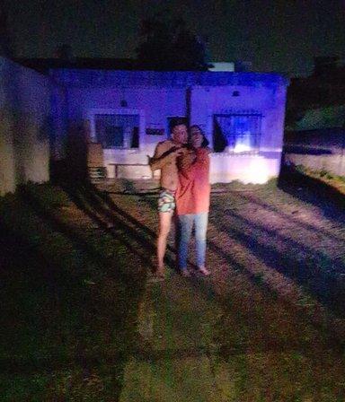 Tomó de rehenes a su pareja, a su suegra y a una nena de 9 años: durante horas las amenazó con un cuchillo