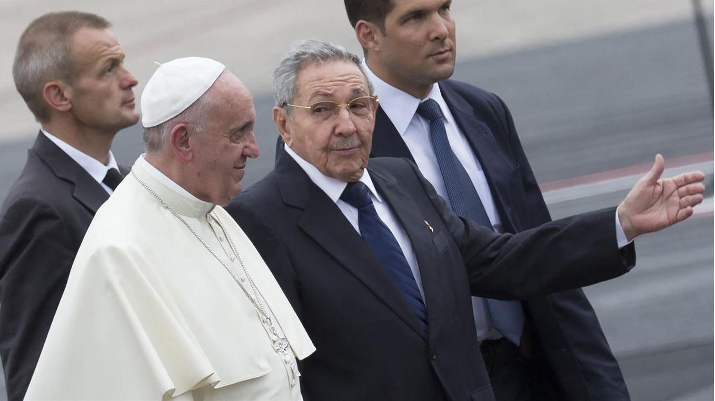 Francisco, este sábado con Raúl Castro.