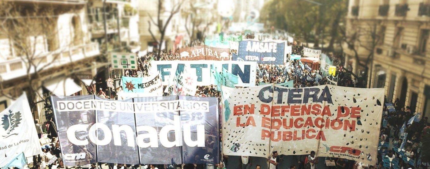 """Multitudinaria marcha docente en el Congreso por la educación pública: """"No tenemos miedo"""""""