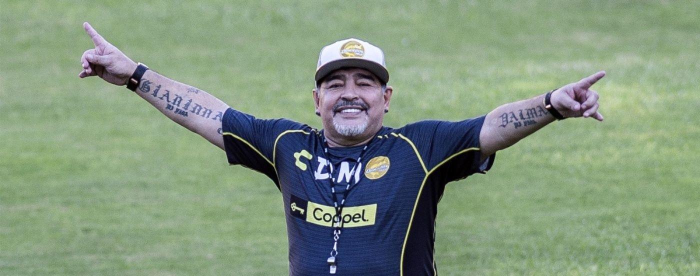 Los enemigos de D10S: un popular humorista mexicano atacó a Maradona por su pasado con las drogas
