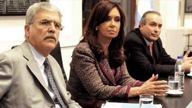 Julio De Vido, Cristina Kirchner y José López: la noche del convento y los bolsos.