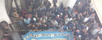 Trabajadores del Astillero Río Santiago tomaron el ministerio de Economía de la Provincia
