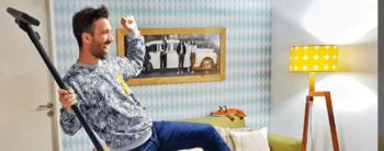 El amo de casa que te enseña a limpiar y ordenar con divertidos posteos en Instagram