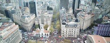 """Movilización a Plaza de Mayo, como previa al paro: """"Están vendiendo la Argentina"""""""