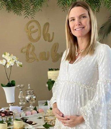¡Media pila, che! Duras críticas a Sofía Zámolo por publicar fotos de su baby shower sorpresa