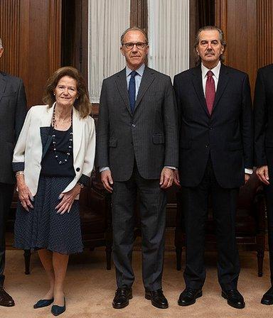 Dura respuesta del Gobierno a la Corte y el nuevo debate por las Taser: las 7 noticias del día