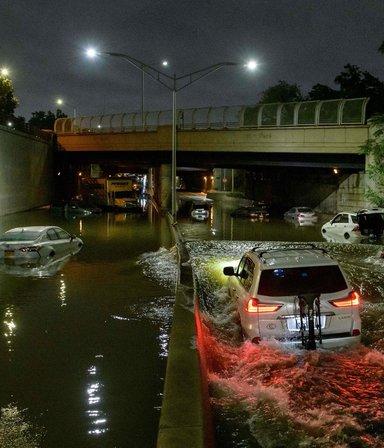Imágenes sensibles: Ida provocó grandes inundaciones en Nueva York y ya hay 14 muertos