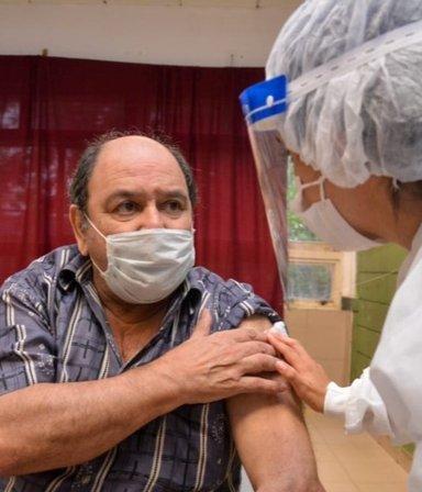 Más vacunas: entregan 760 mil dosis del segundo componente de Sputnik producidas en Argentina