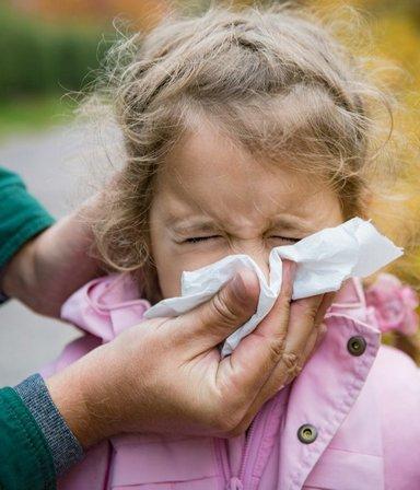 Covid-19: por qué la pandemia hizo que aumenten los casos de un virus respiratorio poco conocido