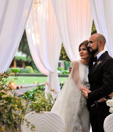 Romance en secreto y una boda soñada: la historia de amor de Abel Pintos y Mora Calabrese