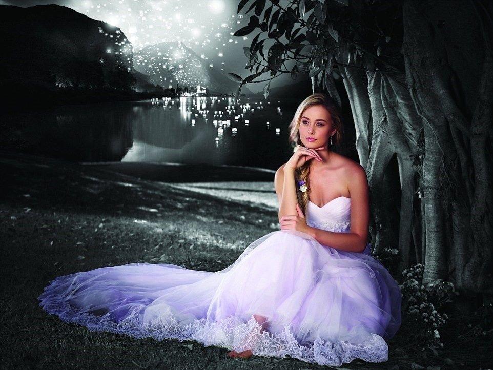 Vestidos para que te cases como una Princesa de Disney