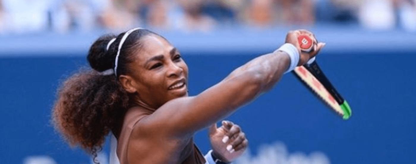 Serena Williams se animó a cantar en topless para concientizar sobre el cáncer de mama